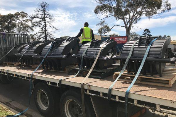 bingo grabs loading truck