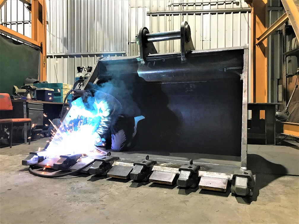 welding 50ton bucket for warrin mining