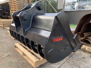 Specialist Tunnel Excavation CX235 custom 1800mm sieve J400 2